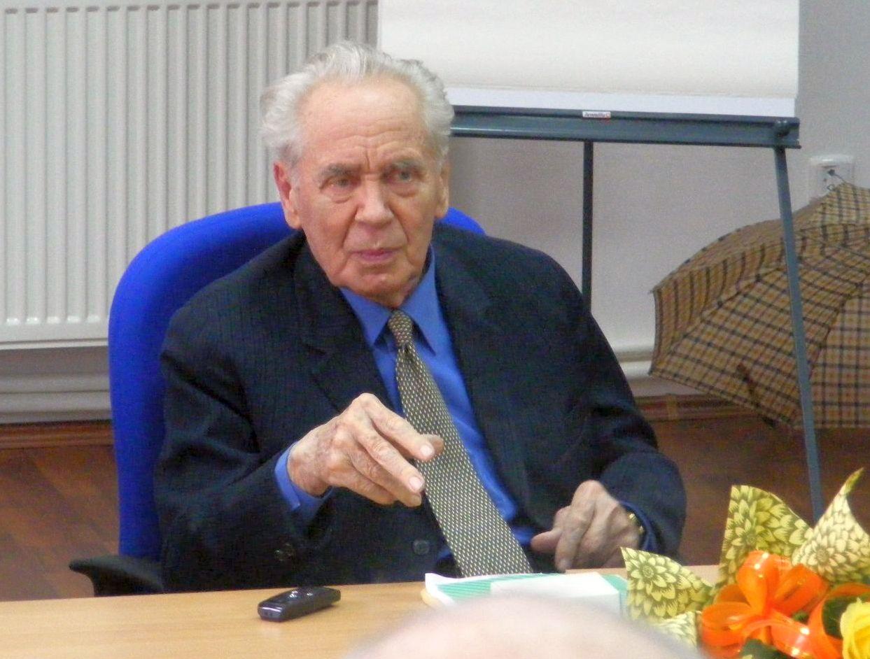 Hubay Miklós a 90. születésnapján rendezett nagyváradi estjén